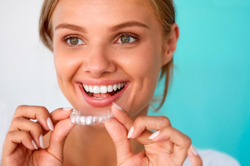 Ortodoncia invisible en Elche para niños y adultos. Dental Roca tu dentista en Elche