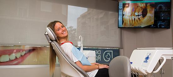 Encías sanas, un facor esencial en la salud bucodental - Dental Roca