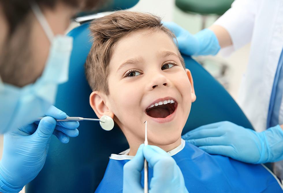 Odontopediatra, el dentista de los niños y adolescentes - Dental Roca
