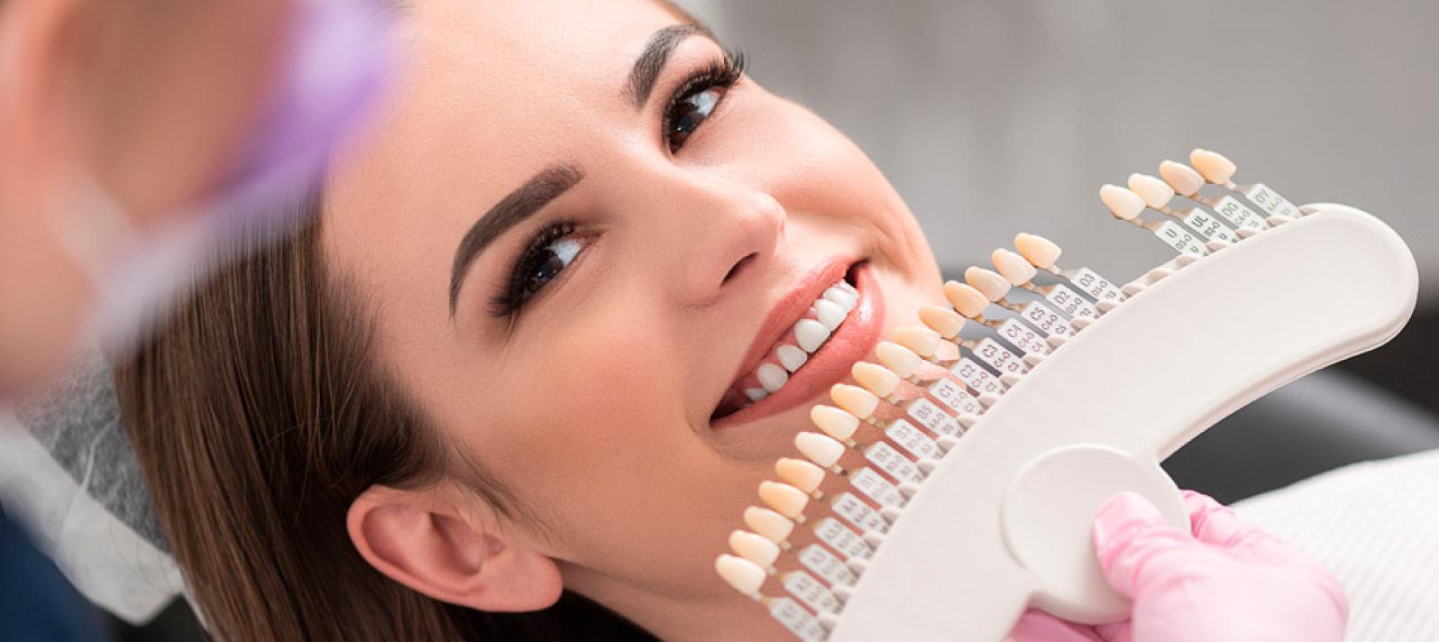 Descubre qué son las fundas dentales y qué tipos hay
